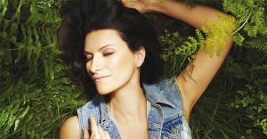 """""""200 note"""" è il nuovo singolo di Laura Pausini"""
