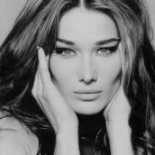 "Carla Bruni torna con ""Miss You"""