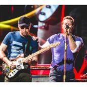 Coldplay a Milano, la meraviglia del pop e della gioia di vivere