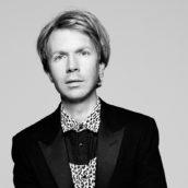 """Beck: Ascolta """"Dear Life"""", il nuovo singolo"""