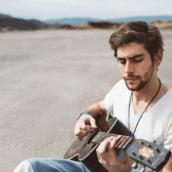 """Alvaro Soler: E' uscito """"La Cintura"""", il nuovo singolo disponibile su Radio Ufita"""