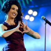 """Nina Zilli: E' uscito """"Ti amo mi uccidi"""", il nuovo singolo"""
