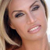 """Annalisa Minetti: A breve uscirà """"Dove il cuore batte"""", il singolo"""