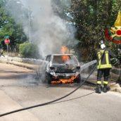 Mugnano del Cardinale, auto in fiamme