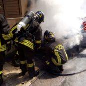Serino, auto in fiamme. Paura e danni