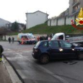 Monteforte Irpino, incidente stradale fra auto e furgone