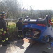 Santo Stefano del Sole, auto si ribalta: ferita donna alla guida