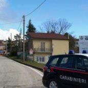 Greci, in giro con un coltello a serramanico: 40enne denunciato dai Carabinieri