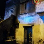Sirignano, incendio nella notte: in fiamme un'abitazione