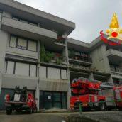 Atripalda, fiamme in un appartamento. Nessun ferito