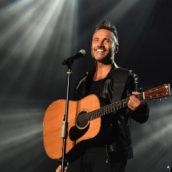 """Nek torna dal vivo in estate con degli speciali live """"Solo: chitarra e voce"""""""