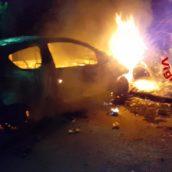 Incendio nella notte ad un'autovettura: è successo a Montoro