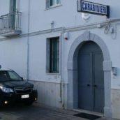 In giro con un coltello a serramanico nascosto in uno zaino: 40enne denunciato dai carabinieri