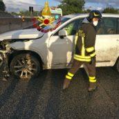 Auto contro il muro a Mirabella Eclano: due anziani lievemente feriti