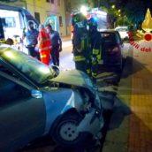 Avellino, scontro un'auto in sosta: c'è un ferito