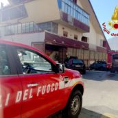 VIDEO/Auto in fiamme a Mercogliano. Non ci sono feriti