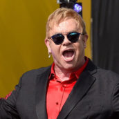"""Elton John in guerra con l'ex moglie: """"vuole solo i miei soldi"""""""