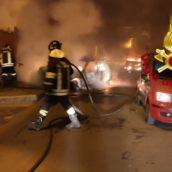 Due autovetture in fiamme nella notte a Baiano