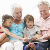 I nonni sono i pilastri delle famiglie italiane, lo conferma l'Istat
