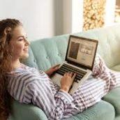 300 euro per guardare serie tv sul divano: l'offerta di lavoro di un'azienda di abbigliamento