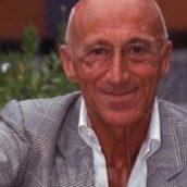 È morto Gianfranco De Laurentiis, voce e volto del giornalismo sportivo