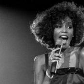 """Whitney Houston: """"I Will Always Love You"""" supera 1 miliardo di views su YouTube"""