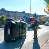 Incidente stradale ad Avellino: due giovani in ospedale