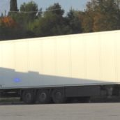 Benevento, camion frigo bloccato dai Carabinieri con otto clandestini a bordo