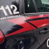 Spara con un fucile da caccia a poca distanza dalle abitazioni: denunciato dai Carabinieri