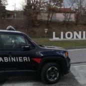 Litiga in piazza con la ex e si scaglia contro i Carabinieri intervenuti: 36enne arrestato