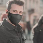 Arriva MaskFone, la mascherina con microfono e cuffie incorporate