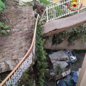 Ariano Irpino, crolla un muro: donna salva per miracolo