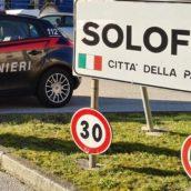 Solofra, in giro con coltello e marijuana: 40enne denunciato dai Carabinieri