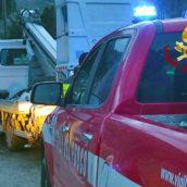 Montefredane, tecnici dell'Enel bloccati dalle forti piogge: intervento dei caschi rossi
