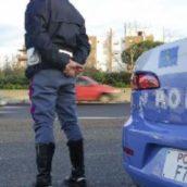 Benevento, clandestino viaggiava nascosto sotto al camion: fermato sul raccordo autostradale
