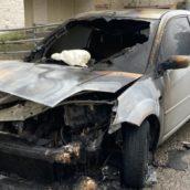 Benevento, auto in fiamme nella notte