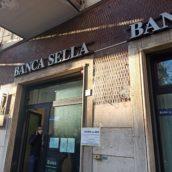 Avellino, rapina alla Banca Sella: circa 10mila euro il bottino