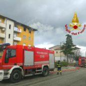 Lacedonia, abitazione in fiamme: caschi rossi e carabinieri in azione