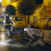 Auto in fiamme nella notte: è successo a Pratola Serra