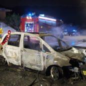 Taurano, incendio ad un'autovettura in sosta: intervento dei caschi rossi