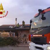 Atripalda, canna fumaria in fiamme: paura per una famiglia