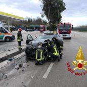 Pratola Serra, incidente sulla Variante: due feriti