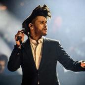 """The Weeknd: """"Blinding Lights"""" vince il premio per la canzone più ascoltata in formato digitale nel 2020"""