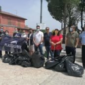 """Carpignano """"Plastic free"""", giornata ecologica organizzata nella frazione di Grottaminarda"""