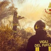 Ariano Irpino, in fiamme tre ettari di grano e circa 30 rotoballe