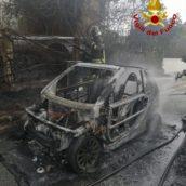 Pianodardine, incendio per un'autovettura in transito: nessuna conseguenza per il conducente del veicolo